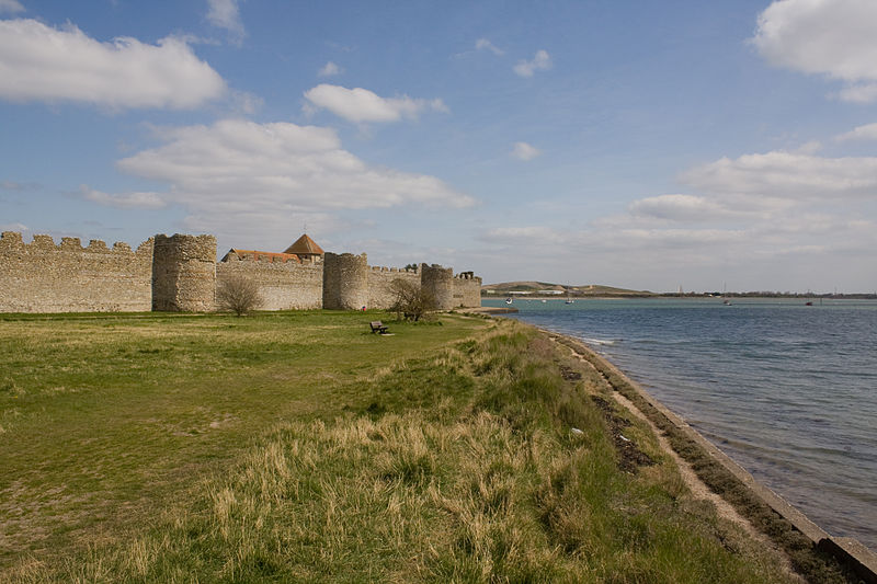 File:1229190-Portchester Castle.JPG