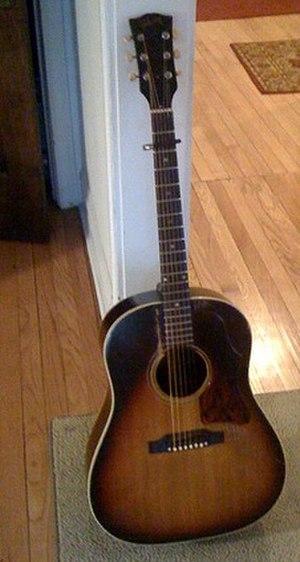 Gibson J-45 - Image: 1967 Gibson J45 Guitar