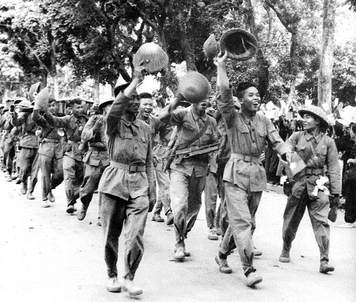 Oddziały Vietcongu w Hanoi (1954 r. ) / Źródło: Wikimedia Commons