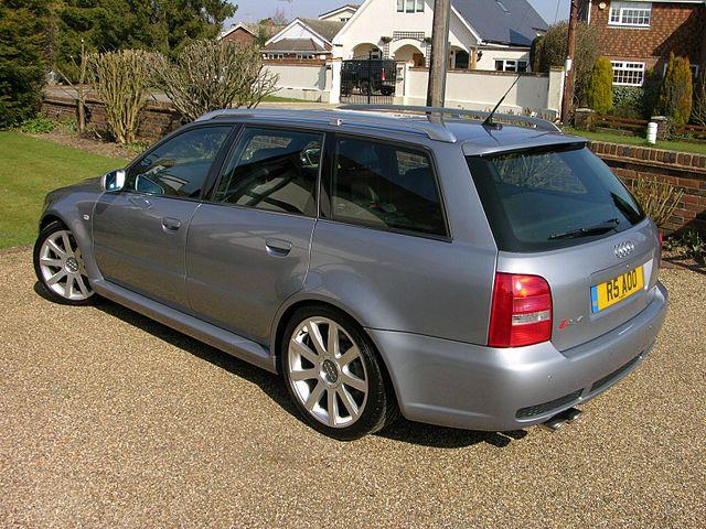 Audi RS4 Avant (B5)