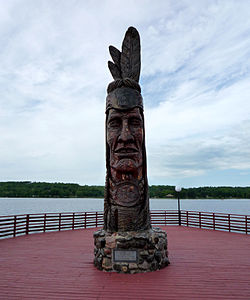 Nee-Gaw-Nee-Gaw-Bow (Leading Man), by Peter Wolf Toth (1988), to honor the Chippewa Indians; it is located on the lakeside pier next to the Wakefield Visitor's Center and was carved from one piece of pine donated by the Ottawa National Forest. It is one of Toth's Whispering Giants.