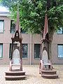 20100724-054 Sint Anthonis - Sculptuur Gemeentehuis.jpg