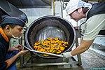 2015.9.26 육군 5기갑여단 취사병의 하루 The day of kitchen police, Republic of Korea Army The 5th Amor Brigade (22779558652).jpg