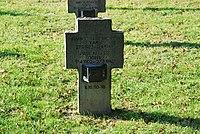 2017-09-28 GuentherZ Wien11 Zentralfriedhof Gruppe97 Soldatenfriedhof Wien (Zweiter Weltkrieg) (019).jpg