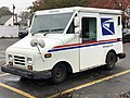 2020-10-28 11 10 37 Left-front side of a USPS Grumman LLV in Edison Township, Middlesex County, New Jersey.jpg