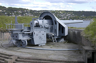 Coastal artillery - One of the three 28 cm main battery guns at Oscarsborg