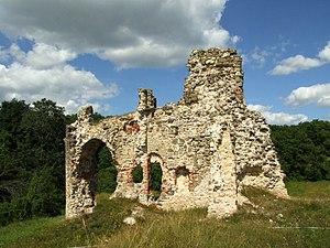 Aizkraukle Castle - Image: Aizkraukle castle ruins (2)