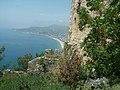 Alanya - Festungsberg - Nordbastion - Blick nach Westen zum Kleopatra-Strand - panoramio.jpg