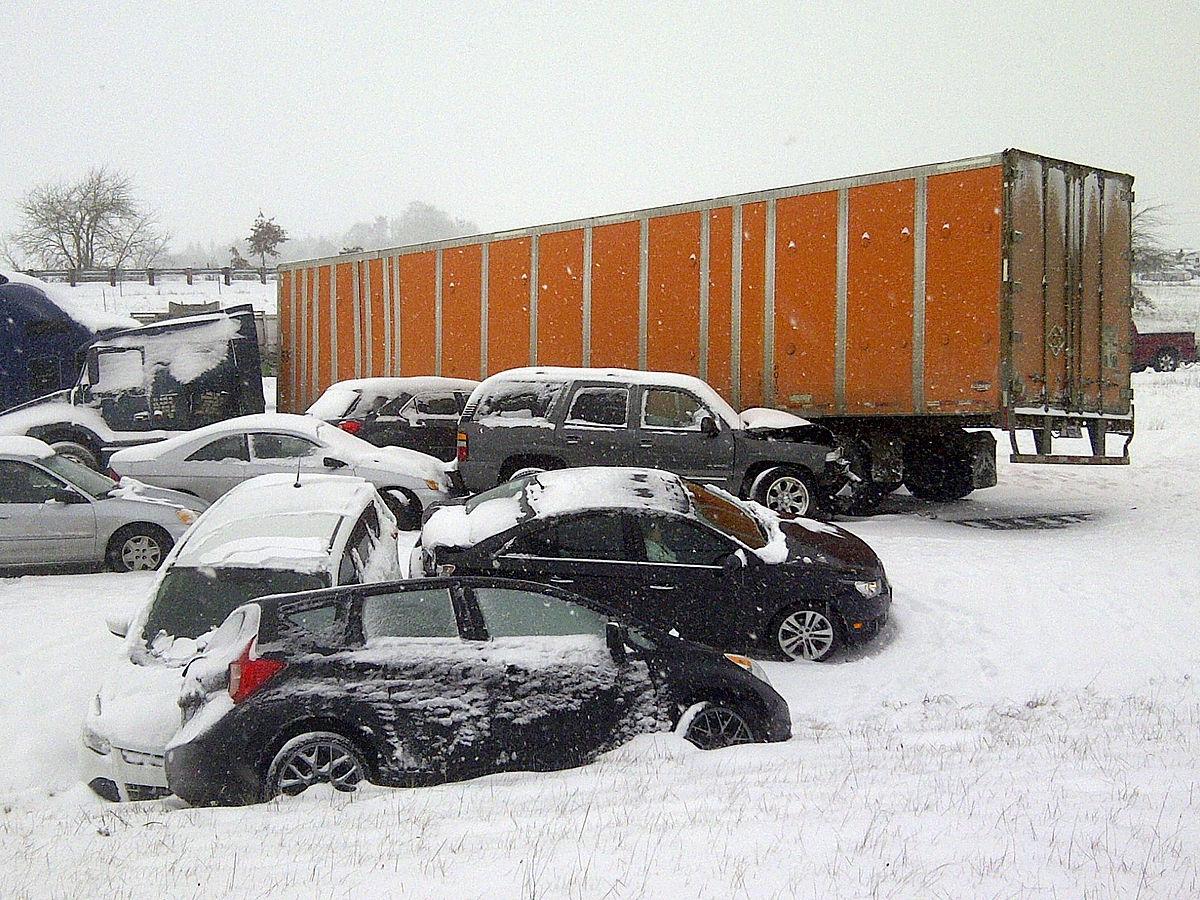 Albany crash (12350804885).jpg