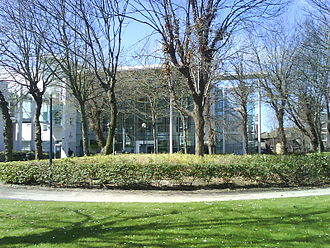 Liverpool John Moores University - Aldham Robarts LRC as viewed from Mount Pleasant gardens