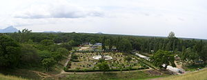 Aliyar Reservoir - View of park garden from top of the dam