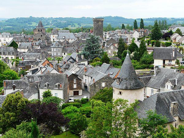 Vue générale du bourg d'Allassac.