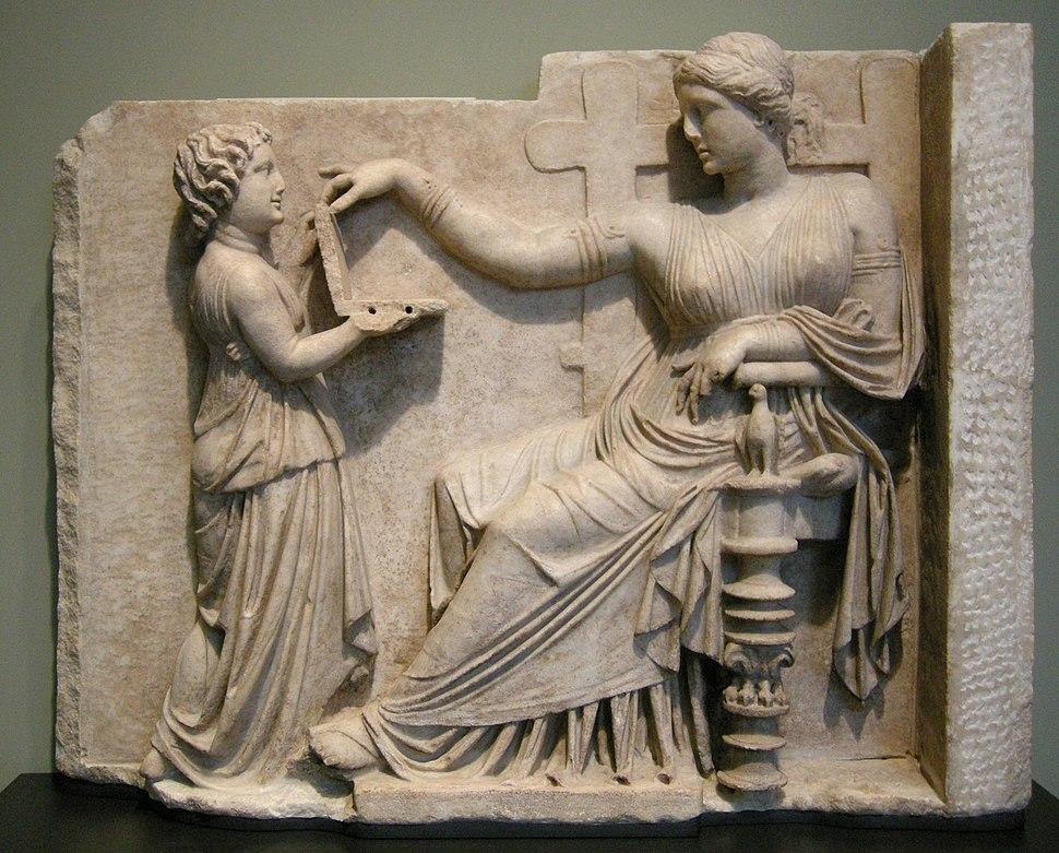 Arte greca, pietra tombale di donna con la sua assistente, 100 ac. circa