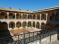 Assisi chiostro basilica.JPG