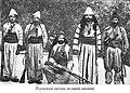 Assyrian Malik of Tkhuma with his retinue 1913.jpg