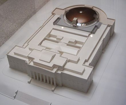 Model of the museum, the new copper dome at the rear. Auckland Museum Model Stage II.jpg