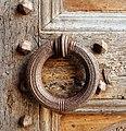 Badia di passignano, porta quattrocentesca, 04 maniglia.jpg