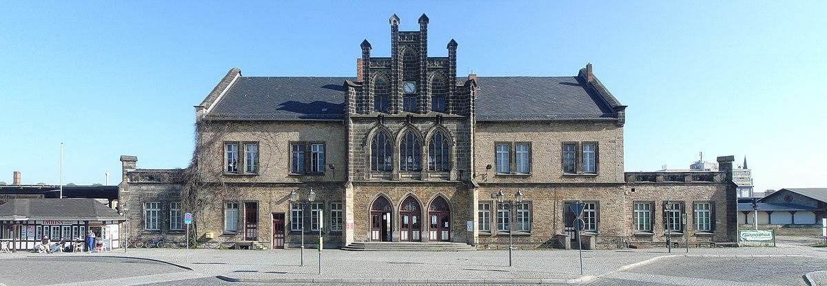 Bahnhof Quedlinburg 2009 Breites Panorama.jpg