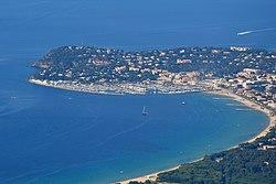 Baie de Cavalaire (vue aérienne).jpg