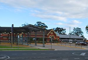 Bairnsdale railway station - Station front in April 2011