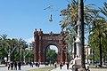 Barcelona arc de triomf lamp.jpg