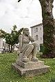 Bardos - Statue.jpg
