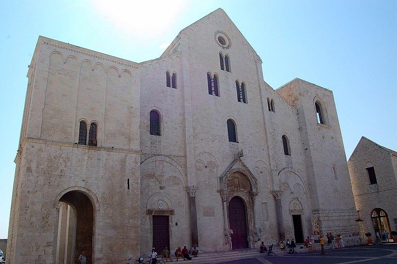 File:Bari - San Nicola - panoramio.jpg
