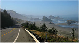 Oregons kyst er ofte vild og betagende smuk:   Hunters Cove nord for Cape Sebastian.