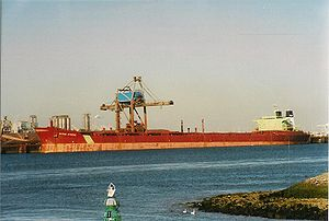 English: MV Berge Athene, a bulk carrier of 22...