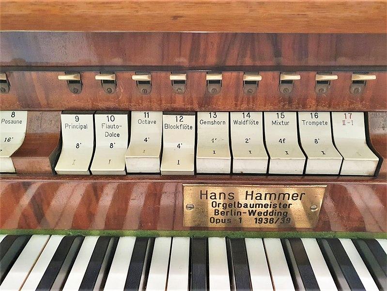 Datei:Berlin-Pankow, St. Georg (Hans Hammer-Orgel) (7).jpg