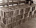 Bild från spritsmuggleriets område. 300damejeanner á 10 liter, beslagtagna vid Torö den 9,4 1939.jpg