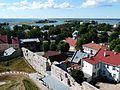 Blick vom Turm der Bischofsburg Haapsalu auf den Hafen - panoramio.jpg