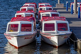 Boats in Bowness Bay, Bowness-on-Windermere, England.jpg