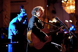 "Bob Dylan sings ""The Times They Are A-Changin'"" in the East Room of the White House, 2010"