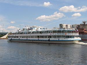 Borodino on Khimki Reservoir 22-jun-2012 06.JPG