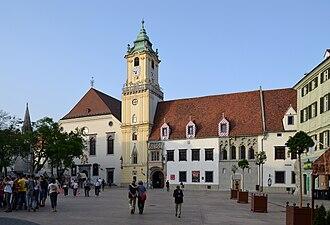Hlavné námestie (Bratislava) - Image: Bratislava Hlavné námestie (radnica)