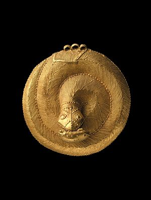 Tchaman - Image: Brooklyn Museum 54.161 Snake Pendant (5)