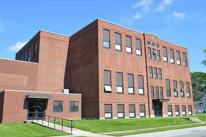 File:Buckland Elementary School on Main.jpg