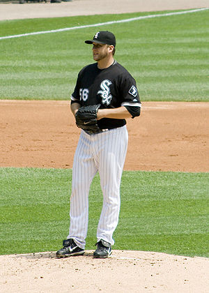 Mark Buehrle - Buehrle receiving a sign during his 2009 perfect game