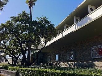 Bullock's Pasadena - Bullock's Pasadena from the street
