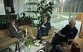 Bundesarchiv B 145 Bild-F074647-0019, Bonn, Hannelore Kohl gibt Krankenkasse Interview.jpg