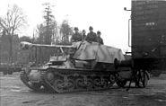 """Bundesarchiv Bild 101I-297-1701-31, Im Westen, Panzer """"Marder I"""""""