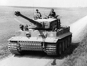 Bundesarchiv Bild 101I-299-1805-16, Nordfrankreich, Panzer VI (Tiger I) cropped.jpg