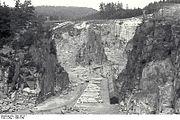 Bundesarchiv Bild 192-317, KZ-Mauthausen, Steinbruch Wiener Graben