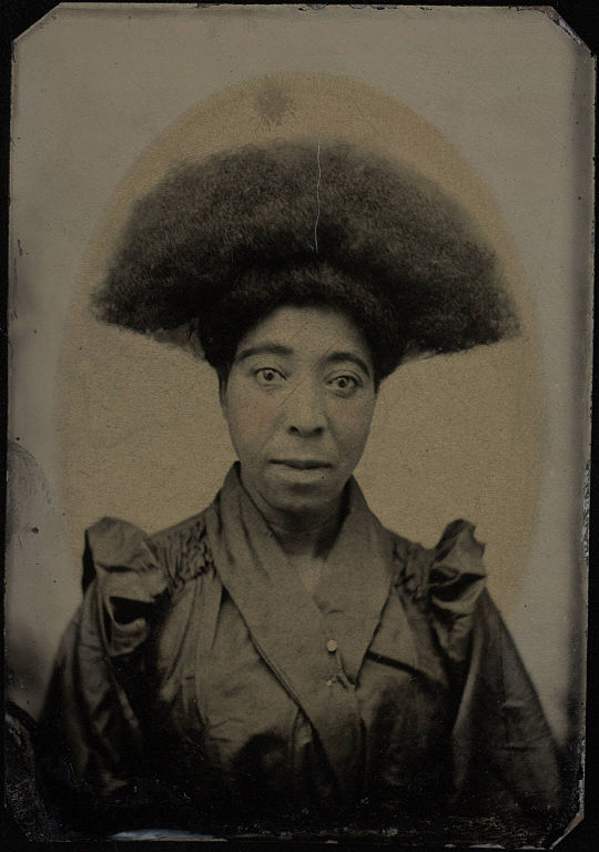 File Bust Portrait Woman With Afro Hair Dressing