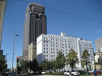 Poydras Street - Image: CBD11Oct 07First Bank De Soto