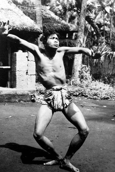 File:COLLECTIE TROPENMUSEUM Balinese danser TMnr 10004671.jpg
