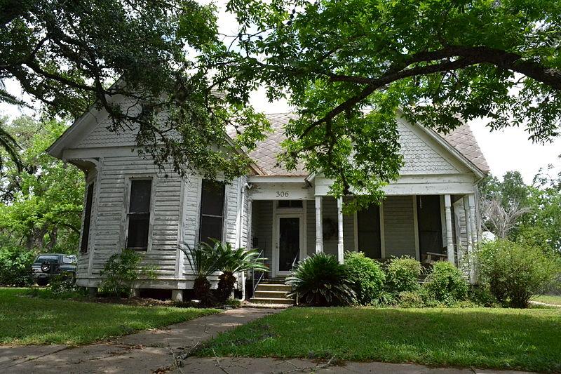 File:Callaway-Gillette House, Cuero, Texas.JPG