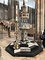 Canterbury Cathedral Taufstein.jpg