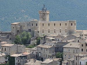 Castello Piccolomini (Capestrano) - Castello Piccolomini in Capestrano